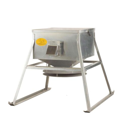 Lamco Low and Throw Corn Feeder